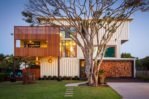 luxury home from shipping container 2