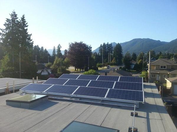 midori_uchi_solar_panels